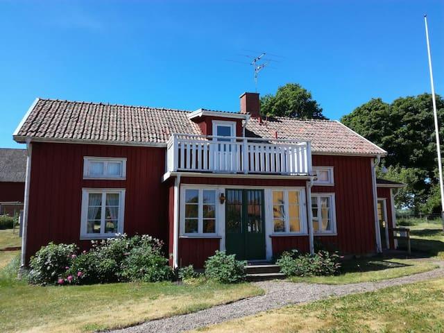 Mysig stuga på landet i Västergötland