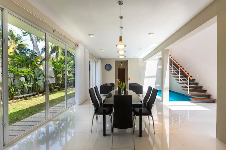 Modern Summer House- Colombo Srilanka