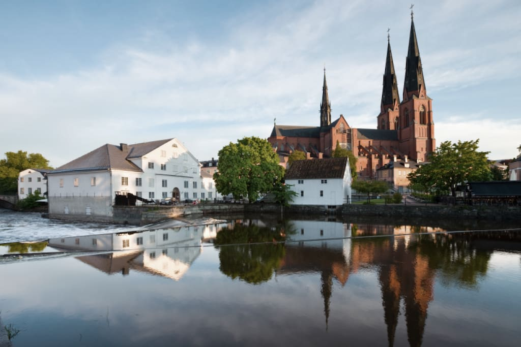 Take a stroll by Fyrisån and see Uppsala at its best.