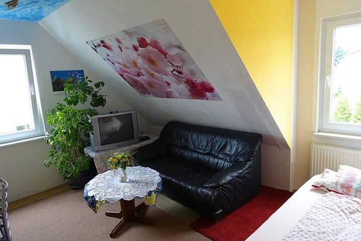 gemütliches Zimmer auf dem Lande -AKN nach Hamburg - Nützen