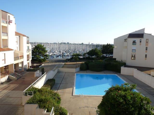 Swimming pool  and Marina View  - La Rochelle - Departamento