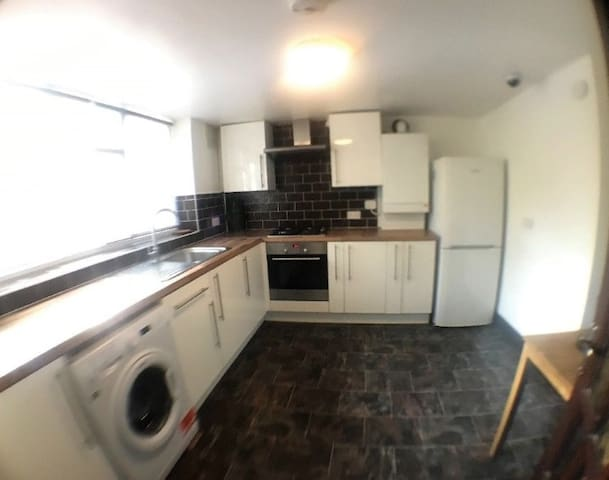 Greater London Apartment