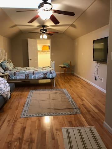 Private Entrance 1 Bath Studio Apartment upstairs - Charlotte - Apartment