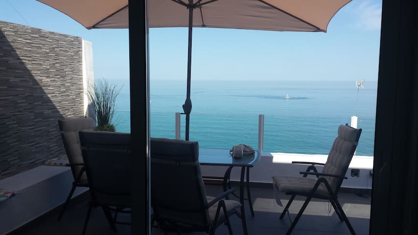 Beachfront Bungalow, Wonderful! - Torremolinos - Bungalow
