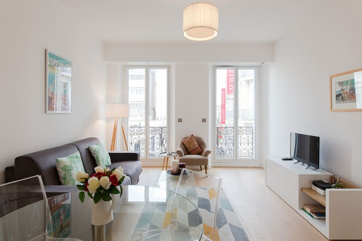 A Gem close to the Croisette. 5-Star flat