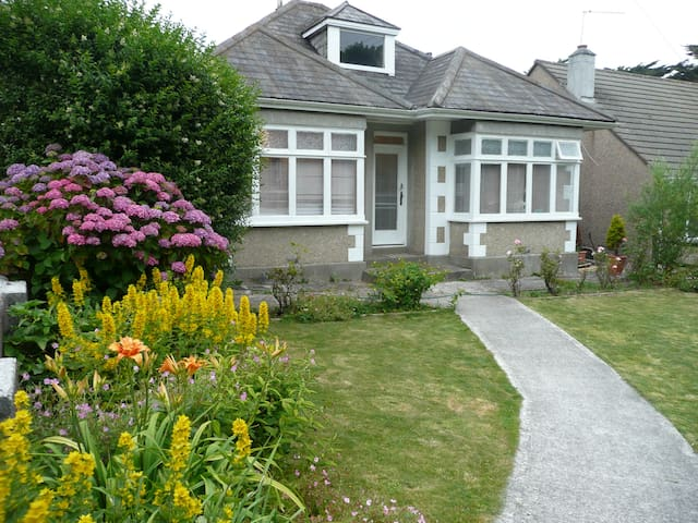 Chy Vean, light,spacious,property. - Cornwall - Bungalou