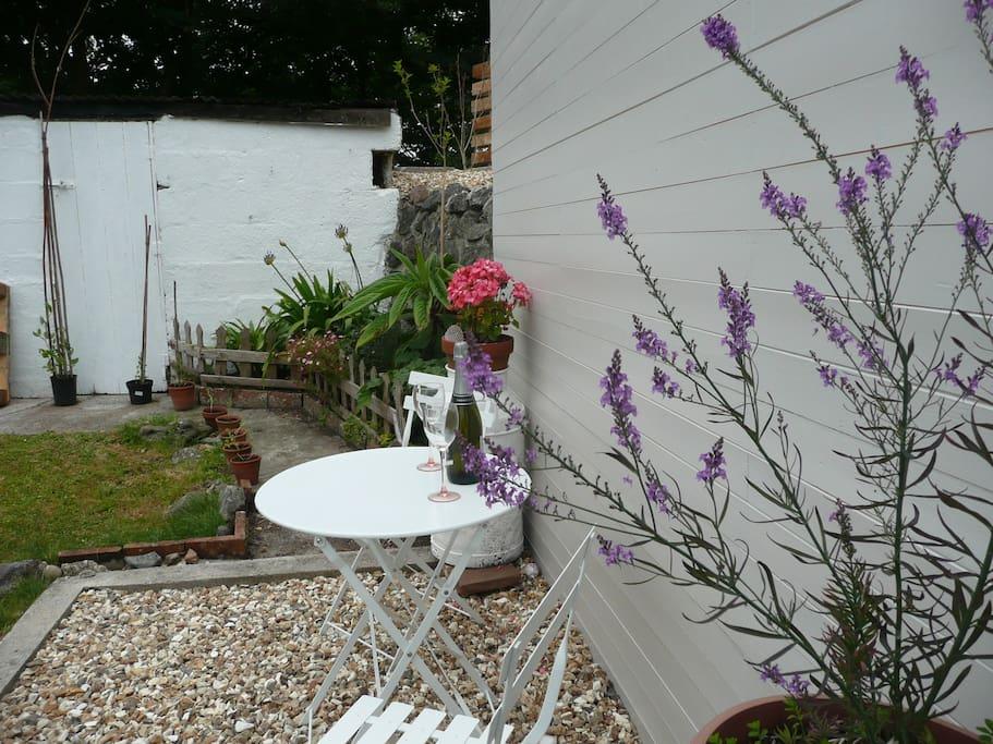 Patio area, lovely private garden
