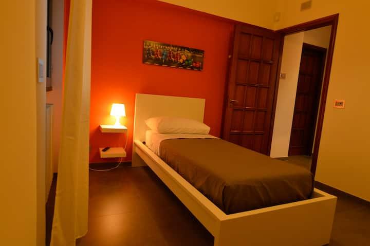 """B&B La Villa Camera Singola """"Sole"""""""