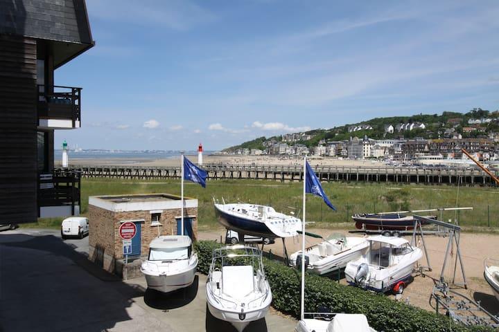 Marina Estacade