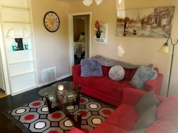 Complimentary Wine @ Teepee RAIN 2BD 1 Bath House