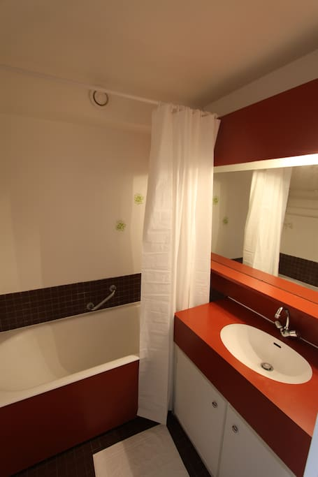 studio marina vue trouville appartements louer deauville basse normandie france. Black Bedroom Furniture Sets. Home Design Ideas