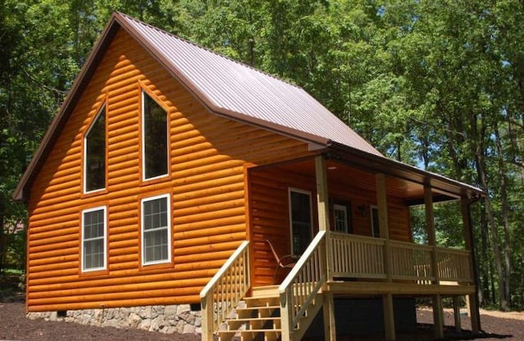 The White Pine Loft: Perfect for Couples!