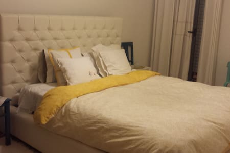 One private room 15 min Lisbon - Apartamento