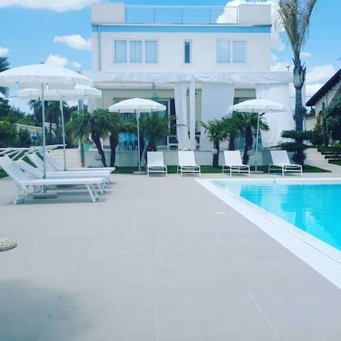 "B&B ""Villa Eraclea"""