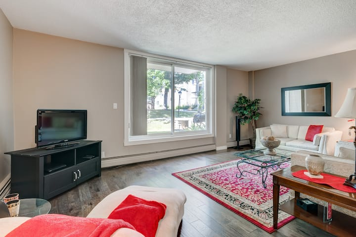 Newly renovated large 1 bedroom condo