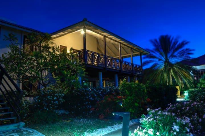 Boka Blou Caribbean Beach Villa.