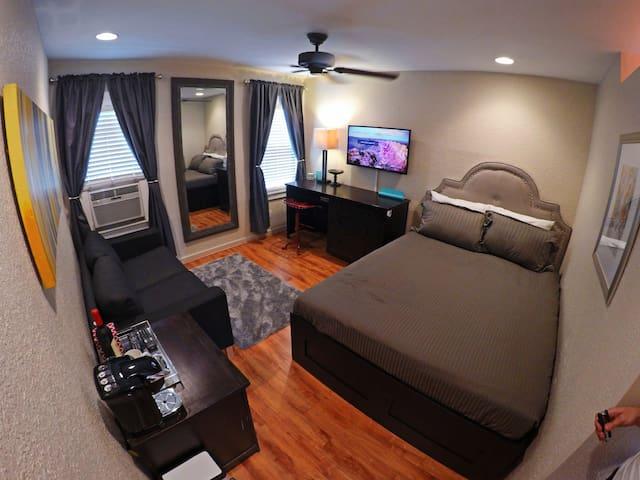Midtown - Private 3rd Floor Loft - Houston - Maison