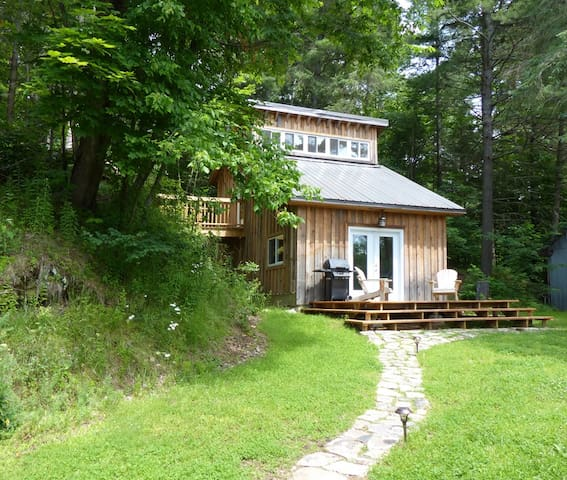 Whispering River Studio Retreat - Parry Sound - Kabin