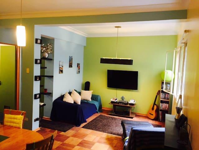 Pequeño dormitorio con baño privado - Santiago - Appartement