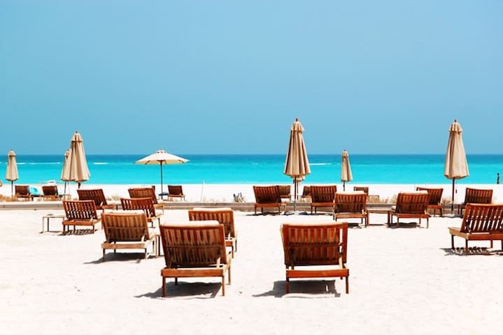 Stay at the St Regis for 50-80%off! Private beach!