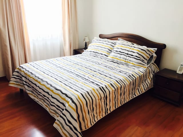Private room & bath, great location - Manizales - Departamento