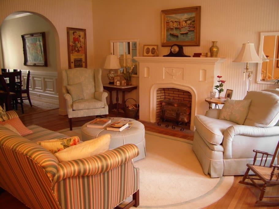 Cozy, restful living room
