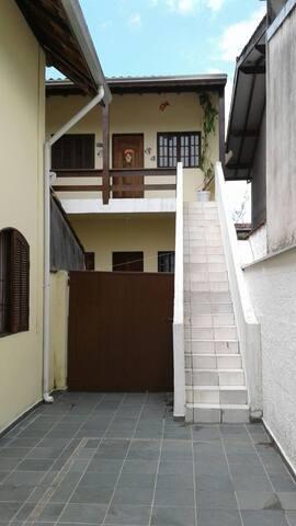 Garagem e acesso