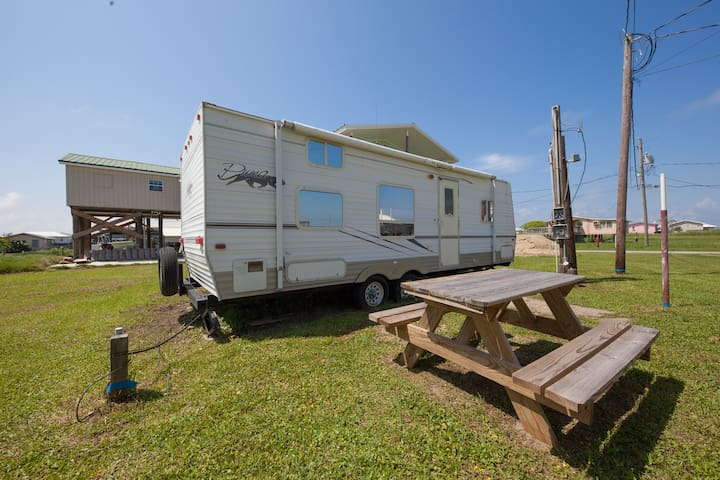 Camper trailer - Blue Dolphin Inn and Cottages