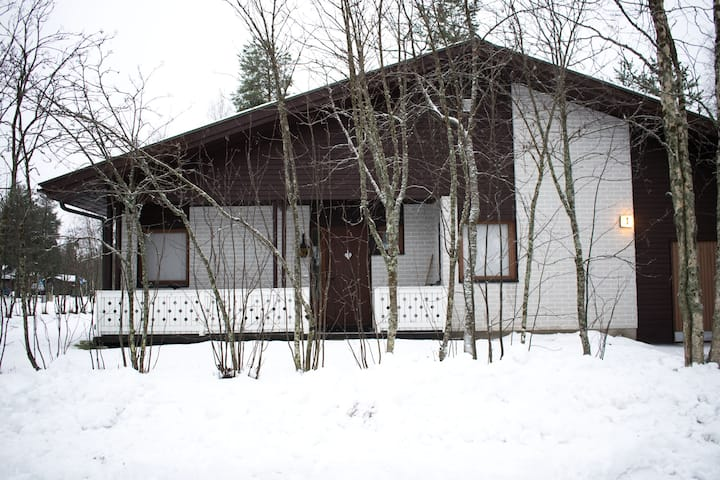 Whole House + Sauna, Wood Oven (Animals Welcome!)
