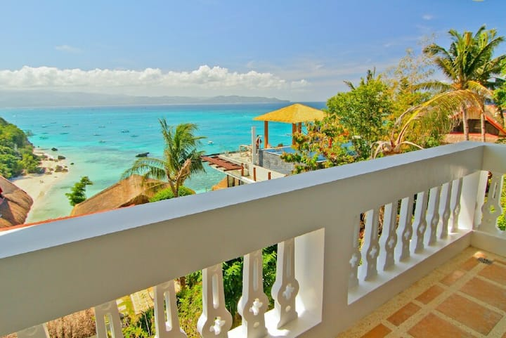 Tropicana Ocean Villas  (Villa Aloy)