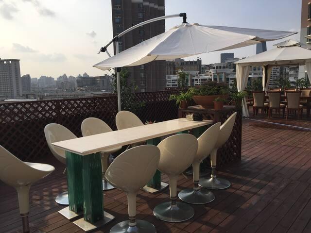 260sqm Duplex in Downtown Xinhua Rd - Shanghai - Leilighet