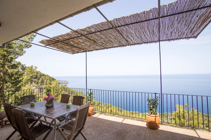 House near Deia 5 pax seafront with great views - Deià