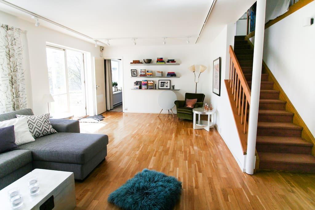 Living room, entrance to the garden