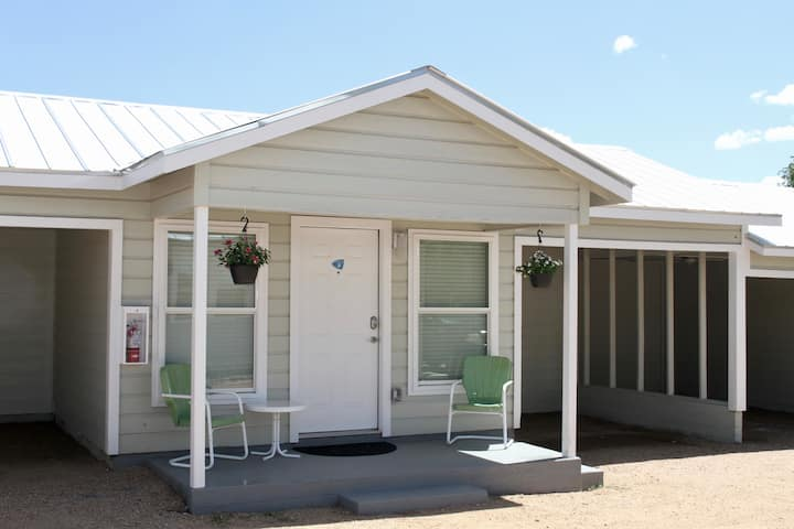 River Trail Cottages-Motor Court 2