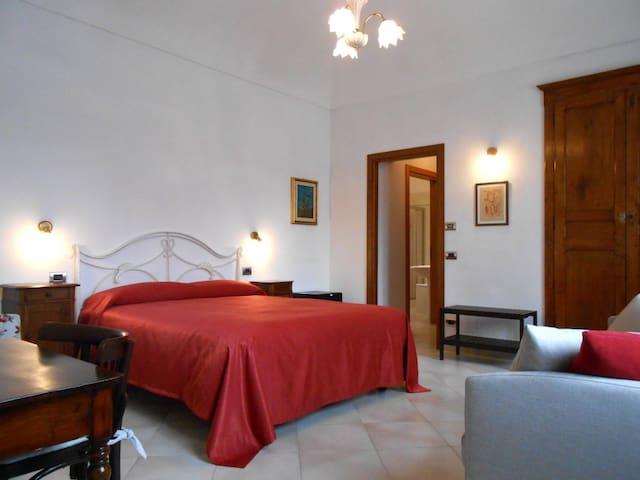 B&B Casa in Barolo #1 - Barolo - Bed & Breakfast
