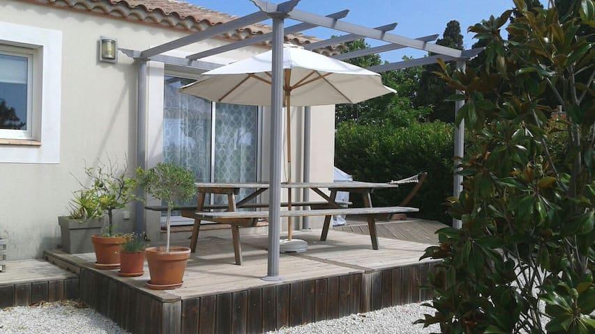 Villa avec piscine village calme - Valros