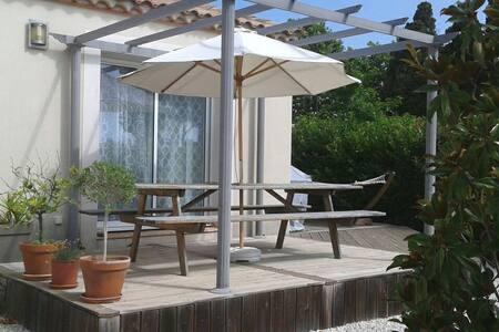 Villa avec piscine village calme - Valros - Ev
