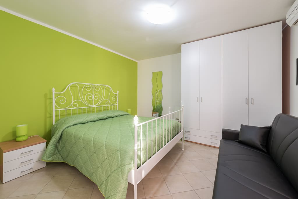 Rooms For Rent Bari Italy