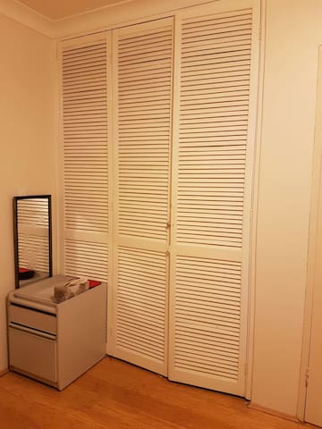 Cosy room close to homebush stn - Homebush - Apartment