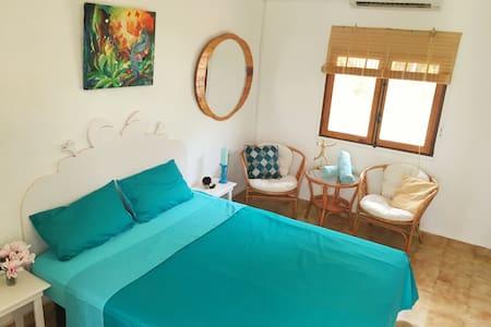 Quiet & Beautiful room in Benimussa - Sant Antoni de Portmany