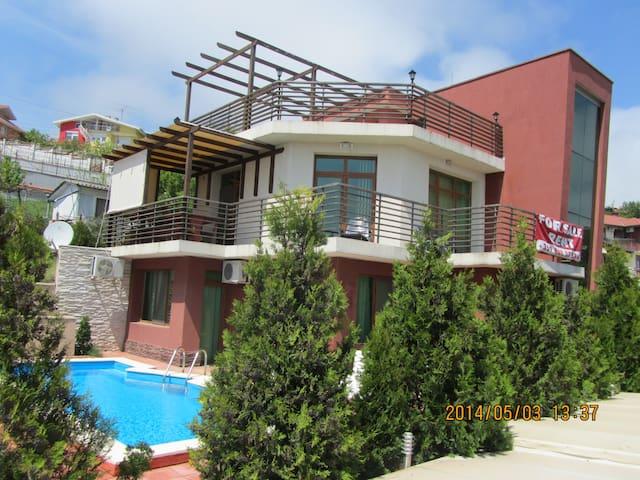 Vila Skyiew - Balchik - House
