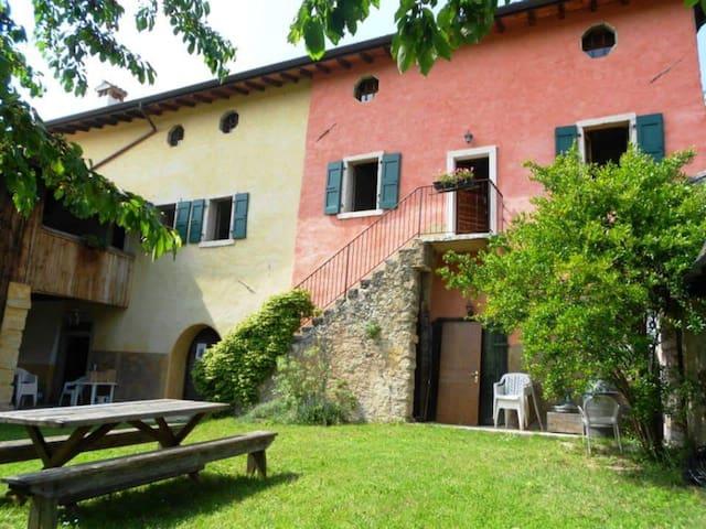 """""""Quercia"""" a 3 km da Garda - Castion Veronese - Apartamento"""