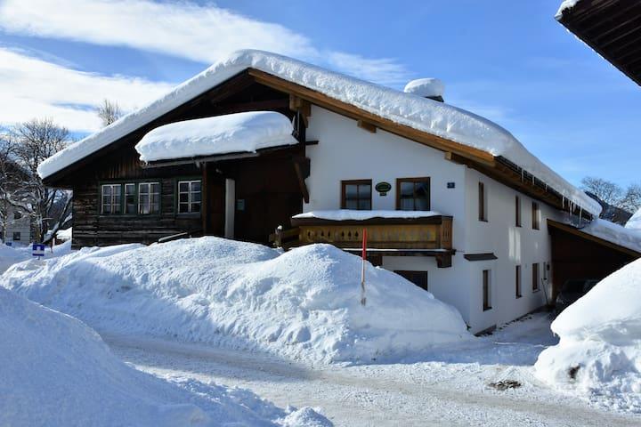 Großzügige Ferienwohnung Durstberger in Ehrwald