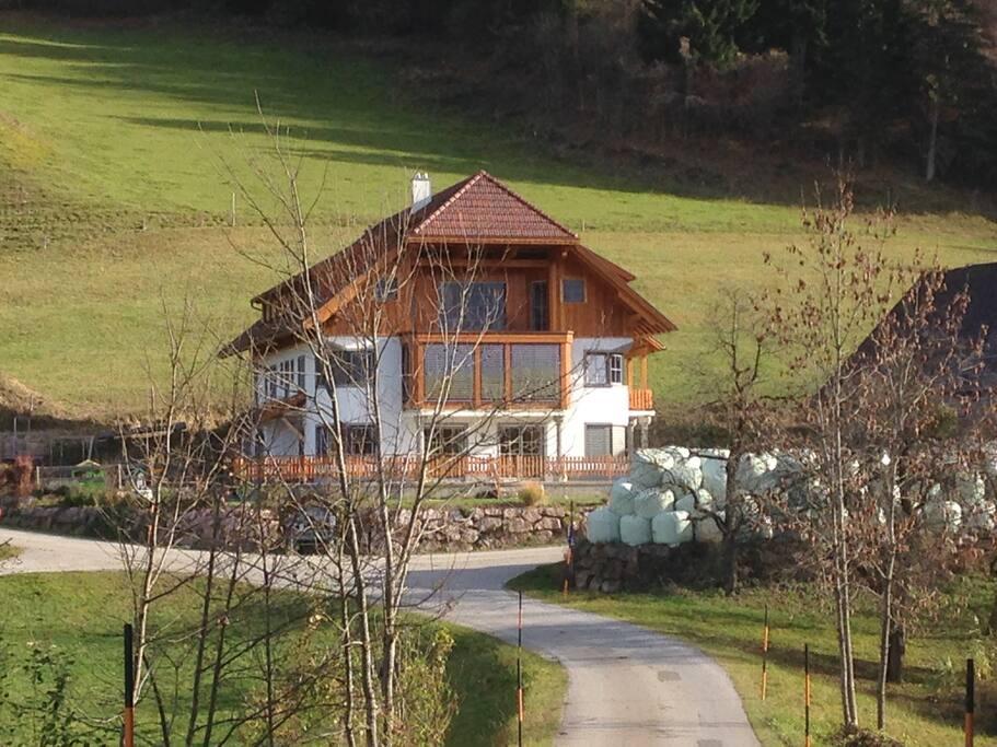 Unser neues Haus im Herbst