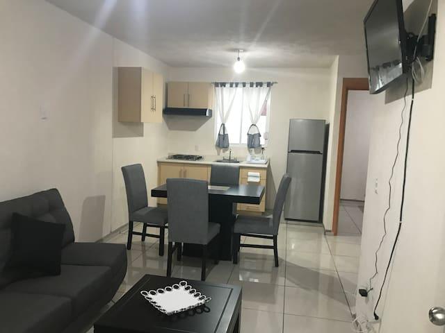 confortable departamento de Frank y ady - Guadalajara - Apartment