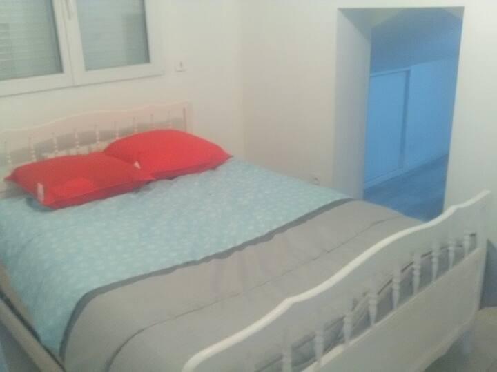 chambre 2 personnes en villa provençale STEVENSON