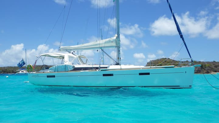 Kalimba 45 ft  yacht now based Bequia Nov to May