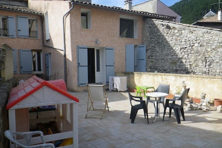 Grand appartement style loft - Sisteron