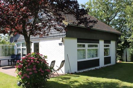 Schönes Ferienhaus in Den Osse - Brouwershaven