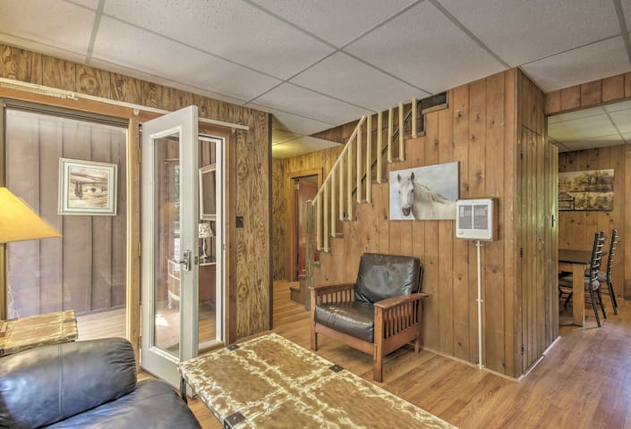 Ranch Apt w/50 Acres - Mins to Raystown Lake!